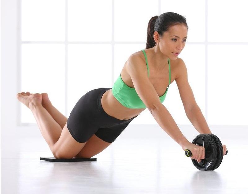 Упражнения с колесом для женщины